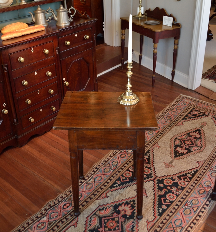 Early Sheraton Walnut and Pine Tavern Table