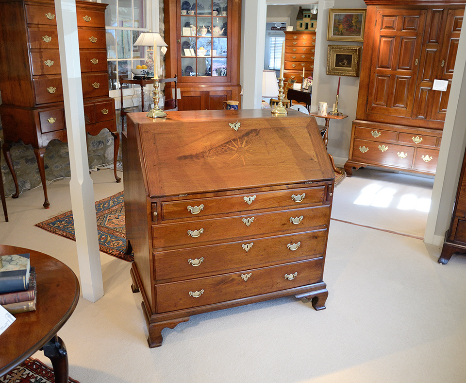 Chippendale-Walnut-Inlaid-Slant-Front-Desk-closed