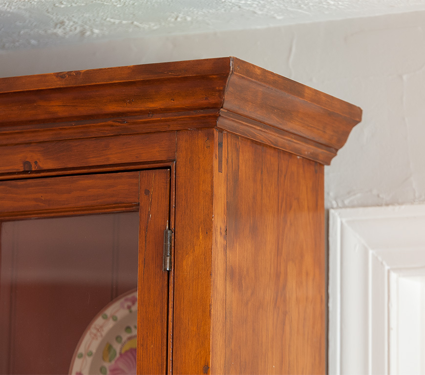 Federal-Step-Back-Cupboard-Cornice-Detail