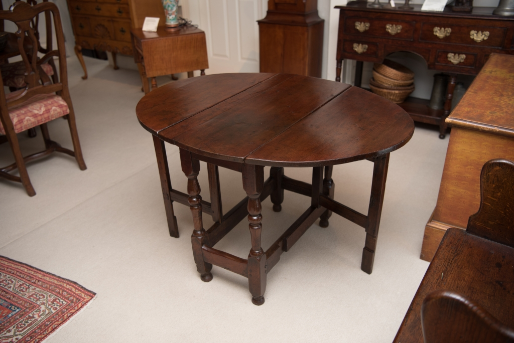 William & Mary Diminutive Drop Leaf Gate Leg Table