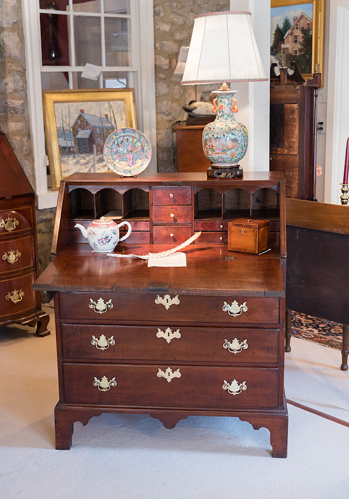 Chippendale-Slant-Front-Desk