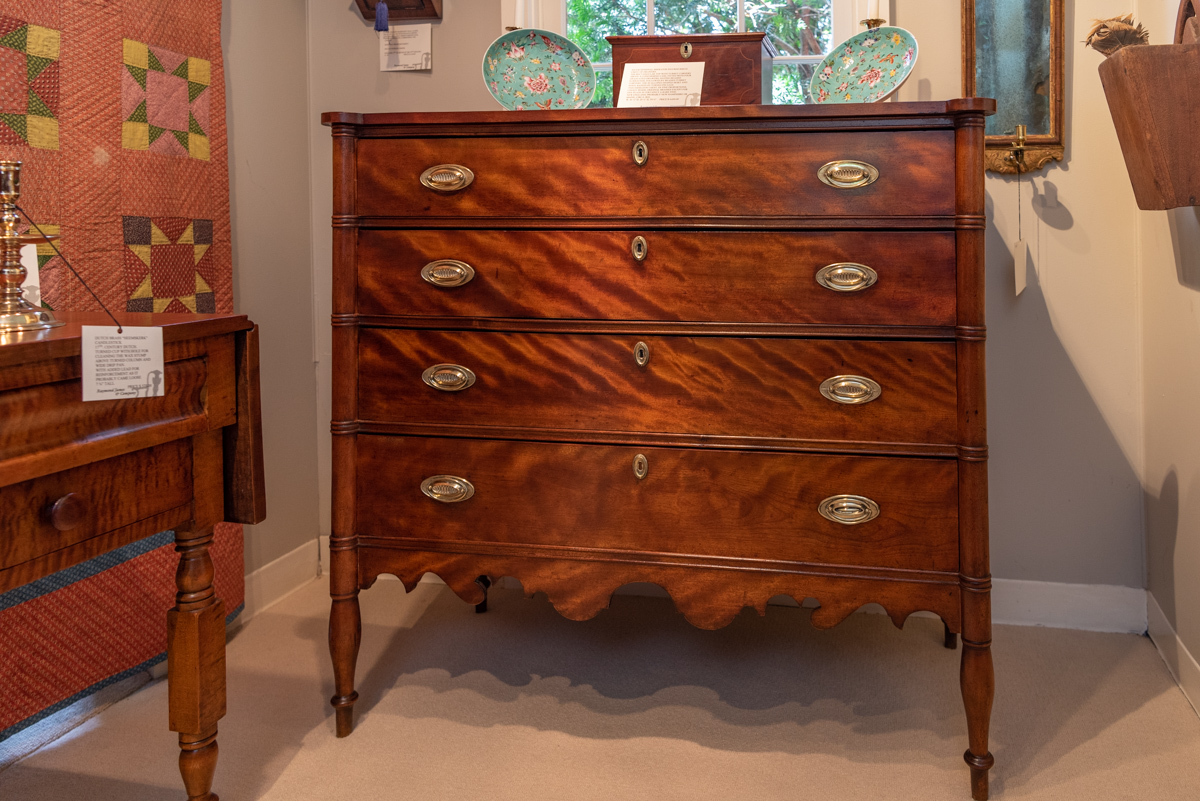 Sheraton Figured Birch Chest Of Drawers