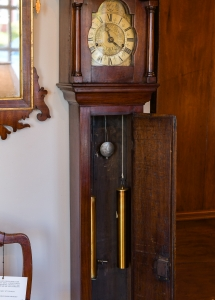 Continental Oak Dwarf Clock detail