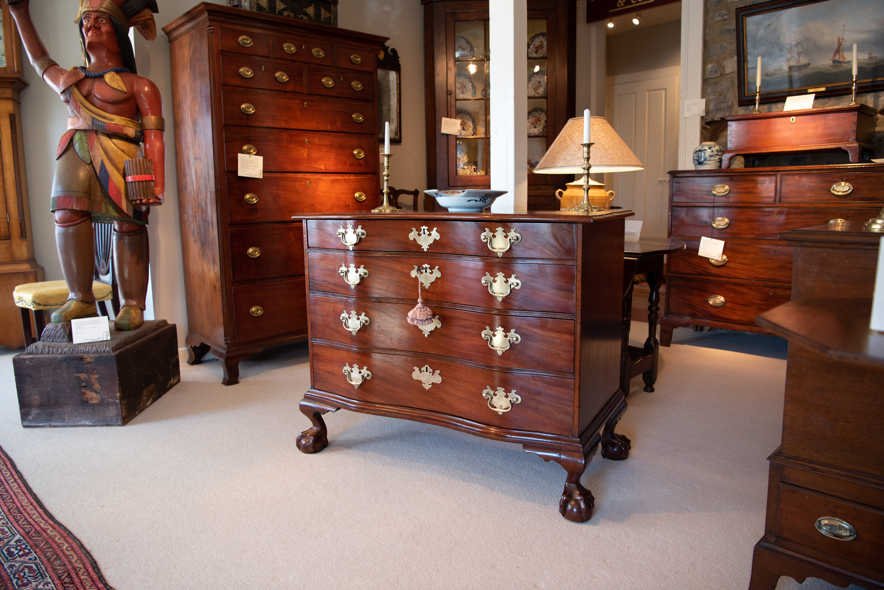 Chippendale Mahogany Serpentine Front Chest Of Drawers. The Rectangular Top With Molded Edge And Serpentine Shaped Front, Above Four Graduated Serpentine Drawers