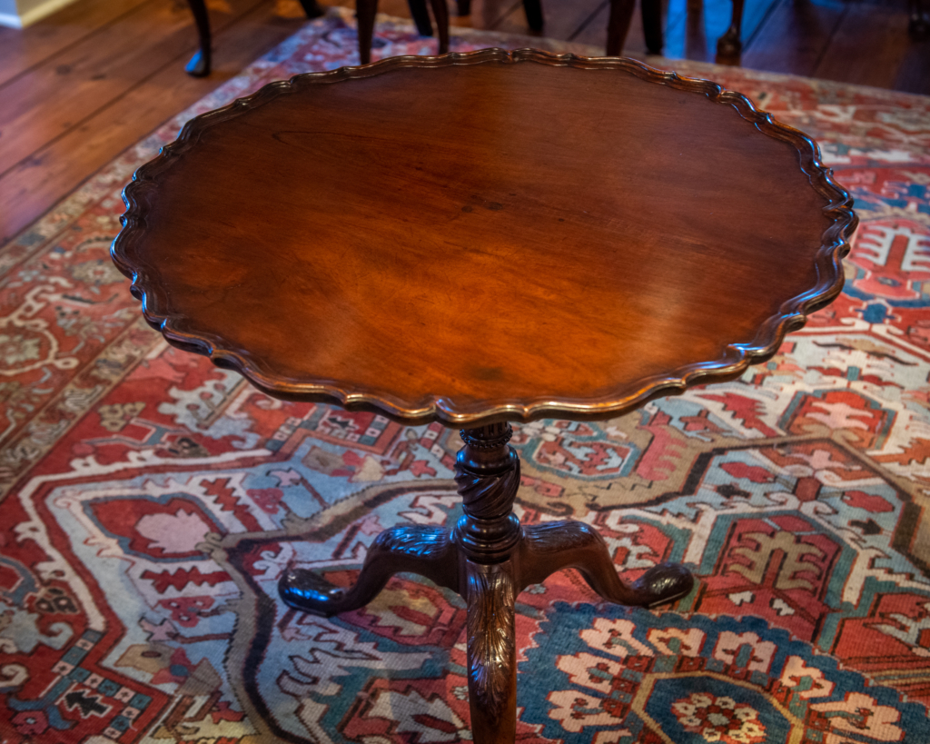 George III, Mahogany Pie-Crust Tea Table -top detail