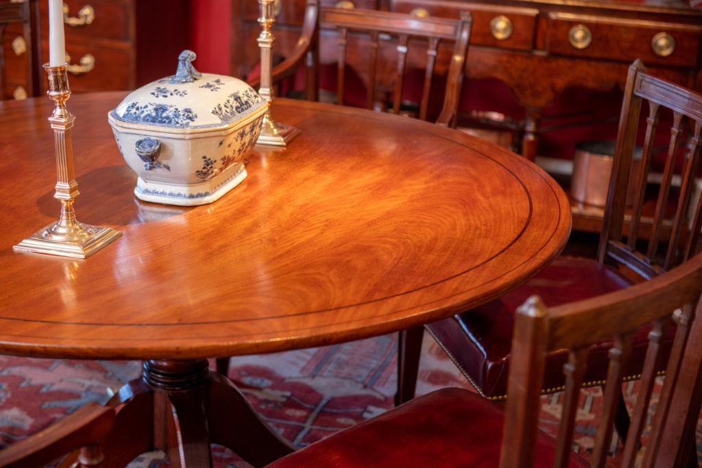 Regency Mahogany Inlaid Dining Table - detail